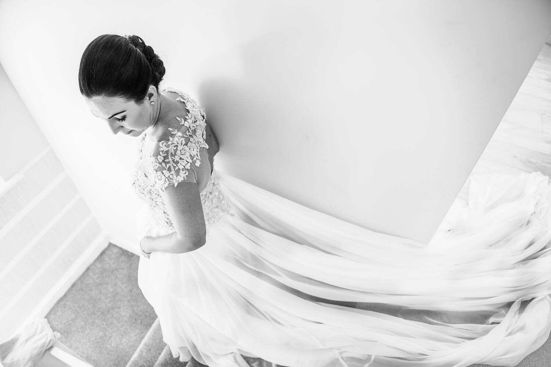 Bride's Pose - WEDDING PHOTOGRAPHY