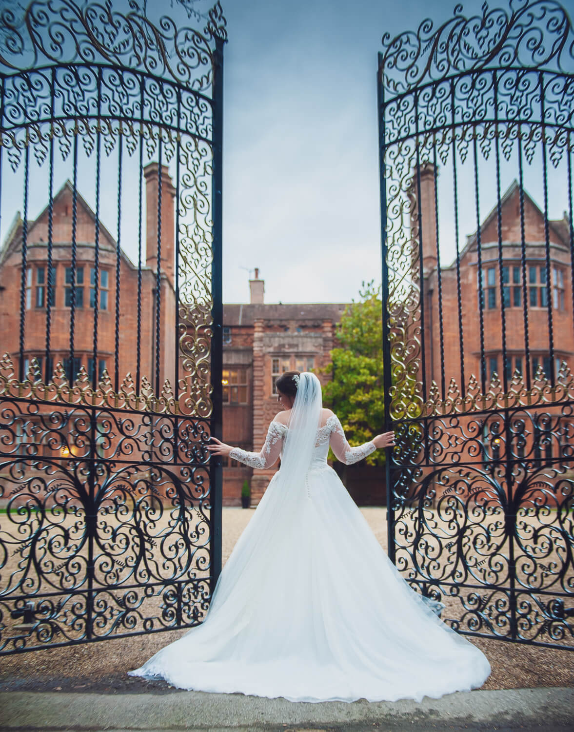 Bridle Open Gate for WEDDING PHOTOGRAPHY